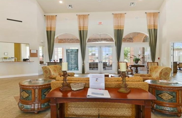 https://shop.orlandovacation.com/hotelphotos/RHN_ovh1077_avanti_interior.jpg
