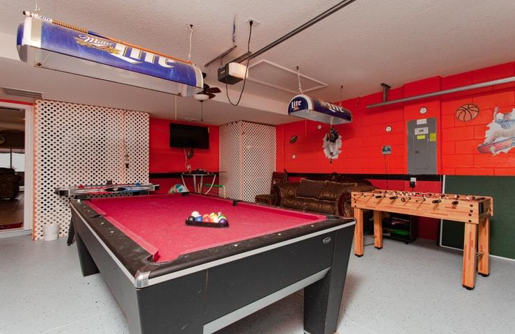https://shop.orlandovacation.com/hotelphotos/RHN_ovh1077_gamesroom1.jpg