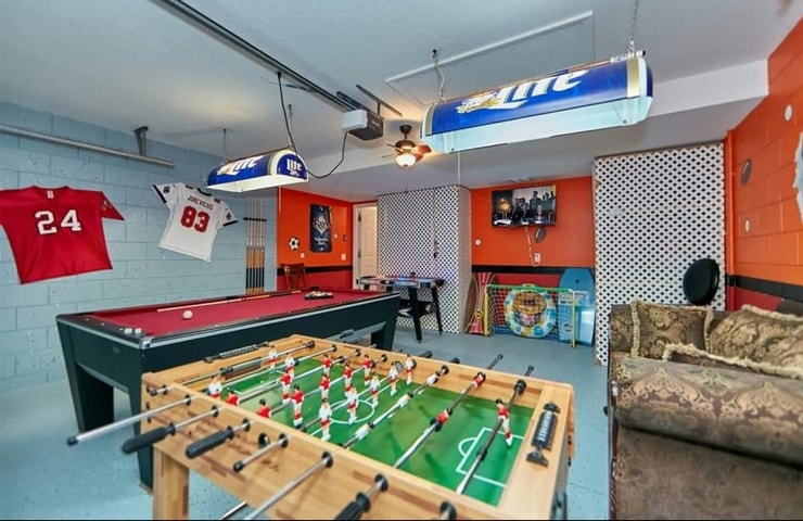 https://shop.orlandovacation.com/hotelphotos/RHN_ovh1077_grand_playroom.jpg