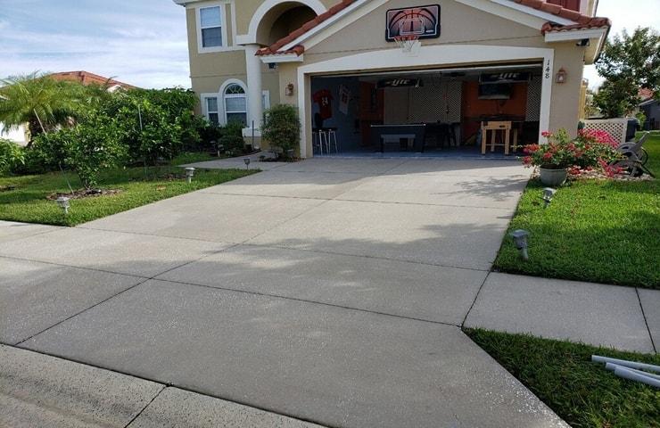 https://shop.orlandovacation.com/hotelphotos/RHN_ovh1077_nice_driveway.jpg